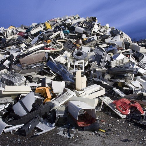 plastics-from-e-waste-from-national-geographic-photographer